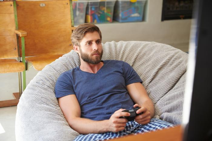 New Survey Suggests Younger & Straight American Men Having Less Sex