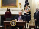 Biden Ordering Stopgap Help as Talks Start on Big Aid Plan